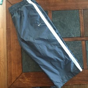Nike crop running athletic pants